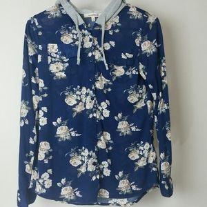 Top shirt blue long-sleeve floral button down